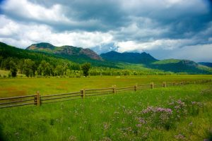 wooden-fence-ranchland
